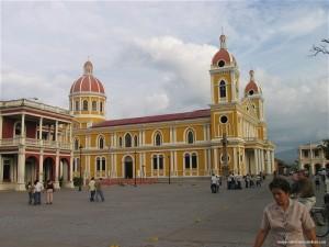 Catedral-de-Granada-en-Nicaragua